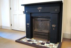 洋館1階の暖炉